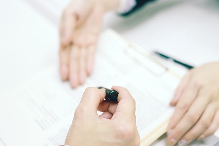 押印リレーや原本の送付は本当に必要か。バックオフィスを変革するデジタルシフト