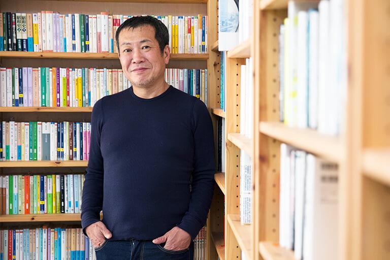 ジャーナリスト佐々木俊尚氏流、「人生100年時代」をより軽やかに生きるためのコツ。